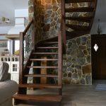 Co warto wiedzieć o schodach policzkowych?